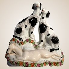 STAFFORDSHIRE Pottery (England) - 19th Century Flat Back Figural With Two Dogs And A Deer