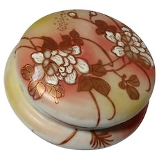 Chinese Porcelain Trinket or Dresser or Powder Box