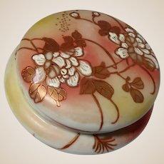 Chinese Porcelain Trinket or Dresser or Powder Box