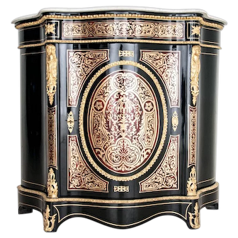 An unusual Boulle cabinet from around 1870. AFTER RENOVATION.