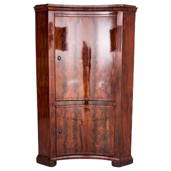 Corner cabinet from around 1890. AFTER RENOVATION.