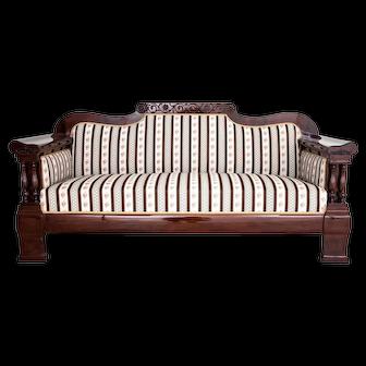 Sofa from around 1890.