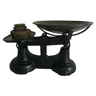 Cast Iron Kitchen Scale with Weights       English