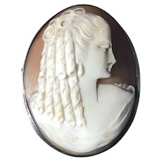 Lovely English 9k Gold Cameo Brooch