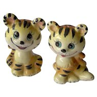 Vintage Smiling Cat Salt and Pepper Shakers