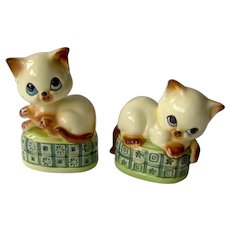 Vintage Salt and Pepper Shakers Cats on a Pillow
