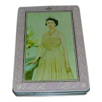 Queen Elizabeth II biscuit tin