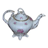 Royal Stafford Tudor Rose Teapot