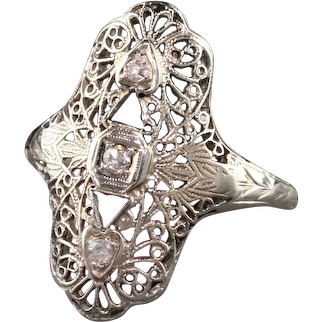 Antique Art Deco 18K White Gold Diamond and Filigree Shield Ring