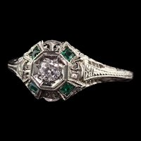 Antique Art Deco 18K White Gold Filigree Diamond Emerald Engagement Ring
