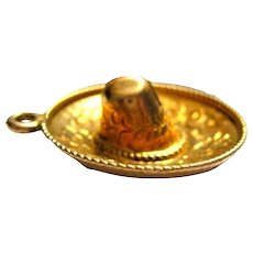 Vintage 18K Gold Charm Pendant Sombrero Hat