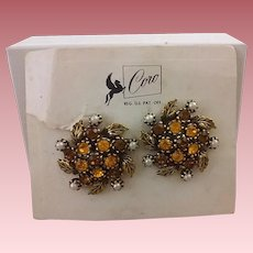 Vintage Coro Pegasus Faceted-Glass & Simulated Pearl Floral Cluster Ear-Clips