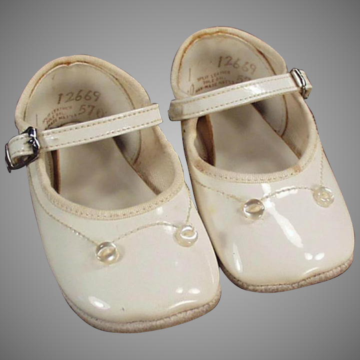 50ae82e552aed Vintage Baby Shoes - White, Mary Jane Style
