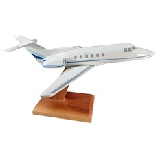 Vintage Executive Desk Model - Raytheon Hawker 700 Jet Airplane Model