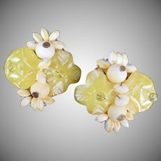 Fun Vintage Earrings - Lemon Yellow Flowers and White Beads - Old Clip-Ons