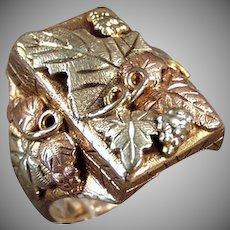 Man's Vintage 10k-12k Classic Black Hills Gold Ring - Large Size