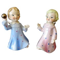 Vintage Angels Playing Ball – Old Wales Figurines