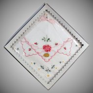 Vintage Hankie Set - Pretty Embroidered Flowers - Original Packaging