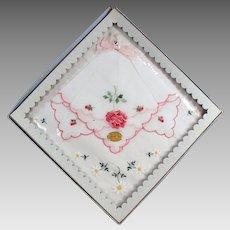 Vintage Hankie Set - Pretty Embroidered Flowers - Original Packaging
