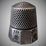Vintage Goldsmith Stern Sterling Thimble - Alternating Floral Panel – Size 10