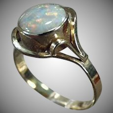 Ladies Vintage 10k Yellow Gold Opal Ring - October Birthstone