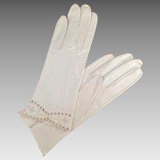 Vintage White Kid Leather Gloves - Detailed Edge - Ladies Old Wrist Length