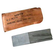 Vintage Lietz #4040 E-Z Pocket Hone with Original Leather Pouch