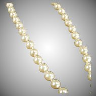 """Vintage 18"""" Single Strand Simulated Pearl Necklace for a Classic Look"""