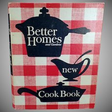 """Vintage Better Homes and Gardens 1965 """"New"""" Cook Book with Recipe Favorites"""