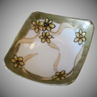 Vintage Nippon Salt Dip – Unusual Form and Fun Floral Design