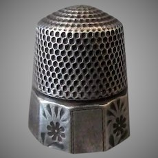 Vintage Goldsmith Stern Sterling Silver Thimble - Alternating Floral Panel – Size 10