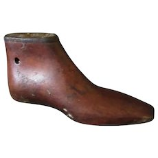 Vintage Wood Shoe Last – Pointed Toe, Small Childs Size – Single Decorative Item