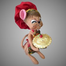 Old Annalee Mouse Doll - Chef with Apple or Cherry Pie