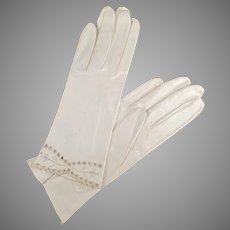 Vintage White, Kid Leather Gloves with Detailed Edge - Ladies Wrist Length