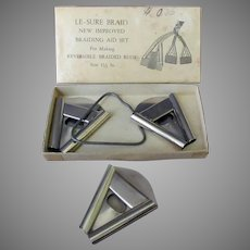 """Vintage Le-Sure """"New Improved"""" Braiding Aid Set for Making Reversible Rugs with Original Box"""