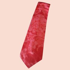 Men's Vintage Necktie – Wide & Long with a Floral Design in Shades of Pink