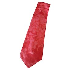 Men's Vintage Wide & Long Necktie with a Floral Design in Shades of Pink