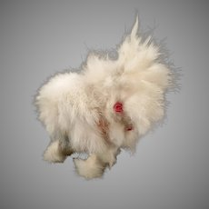 Vintage Hopping Rabbit Wind Up Toy – Fluffy Fur Bunny with Pink Eyes