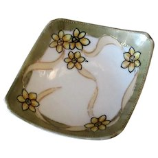 Vintage Nippon Salt Dip with Unusual Form and Fun Floral Design