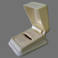 Vintage Bakelite Ring Box – Cream Colored with Nice Design