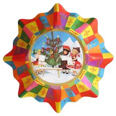 Vintage Christmas Bowl - Fluted Paper with Plastic/Celluloid Dolls in Ethnic Costumes