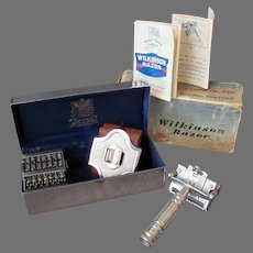 Complete Vintage Wilkinson Sword Razor 7 Day Model with Original Presentation Box and Instructions
