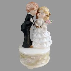 Vintage Here Comes the Bride Music Box Porcelain Bride and Groom