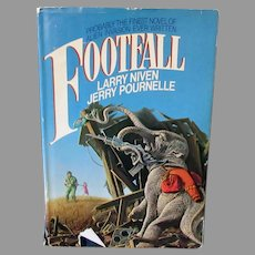 Vintage Science Fiction Novel – Footfall 1985 Book by Larry Niven & Jerry Pournelle