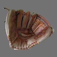 Vintage Right-Handed Leather Baseball Mitt Glove – Wilbur Wood Autograph Model Registered #60-21208
