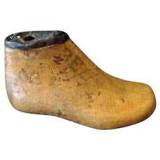 Vintage Wood Shoe Last – Small Childs Size, Single - Nice Decorative Item