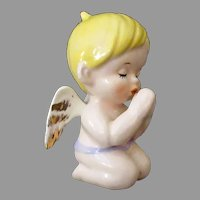Little Vintage Angel – Blonde Baby Praying
