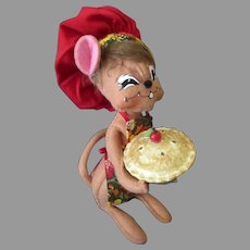 Annalee Felt Mouse Doll - Chef with Apple or Cherry Pie