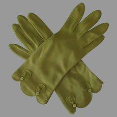 Ladies Vintage Wrist Length Fabric Gloves – Fashionable Avocado Green with Decorative Edge