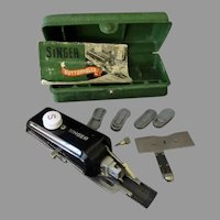 Vintage Singer Button Hole Attachment – 160506 Buttonholer for Featherweight & Other Sewing Machines